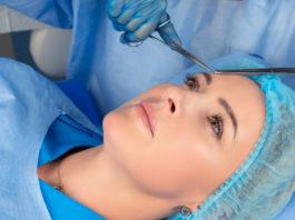 Chirurgiczne uniesienie brwi