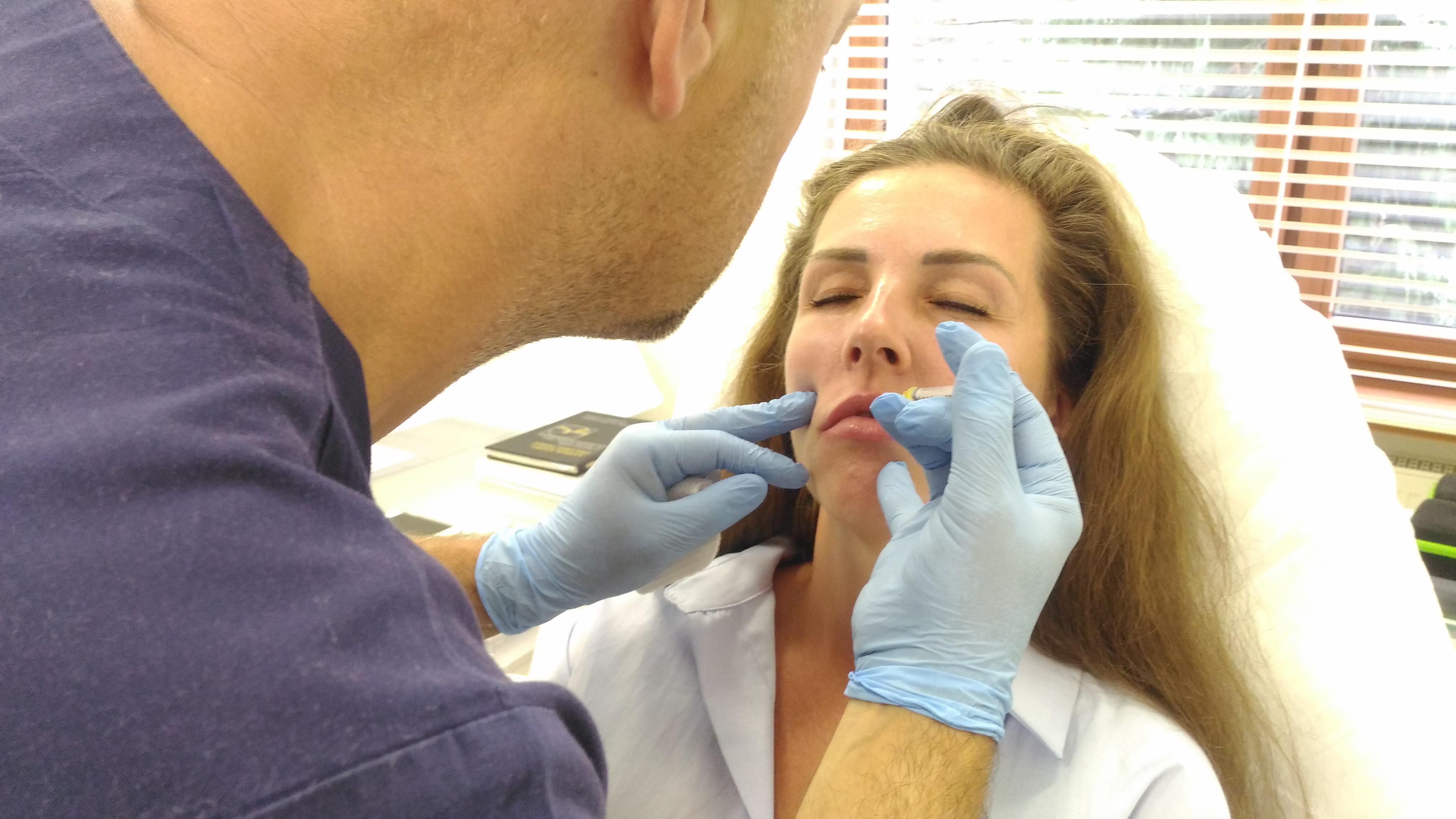 medycyna estetyczna,czy powiększanie ust boli